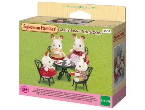 Sylvanian Families díszes kerti asztal székekkel (SLV4507)