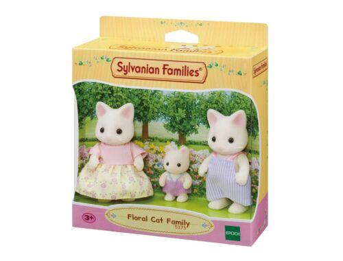 Sylvanian Families virágos cica család 3 fővel (SLV5373)